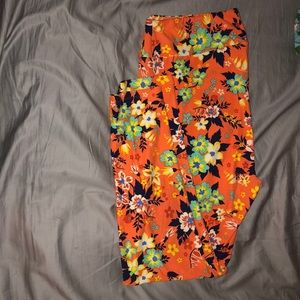 TC2 orange flower Lularoe leggings